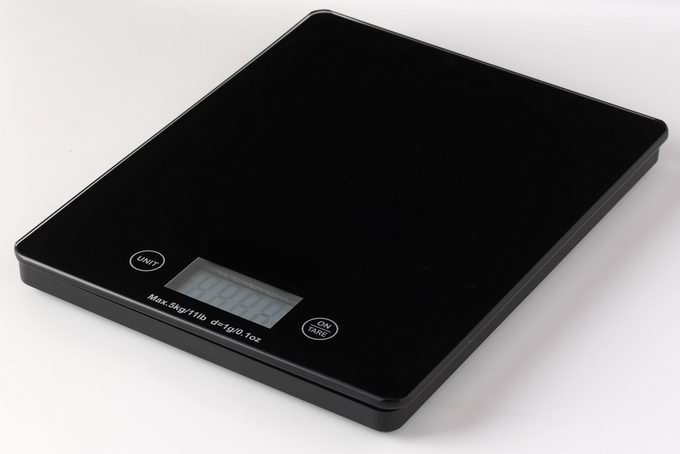 Competitive touch screen kitchen scale